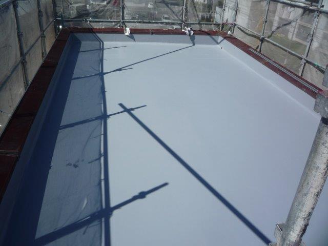 屋上防水塗装防水材二層目塗装完了