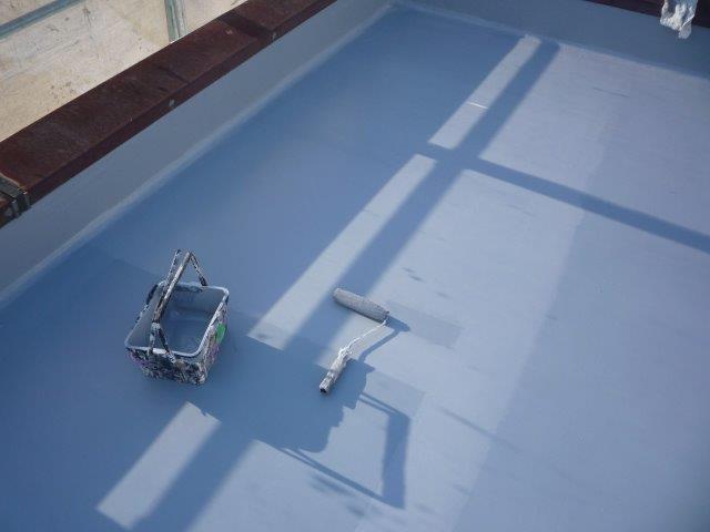屋上防水塗装トップコート塗装状況