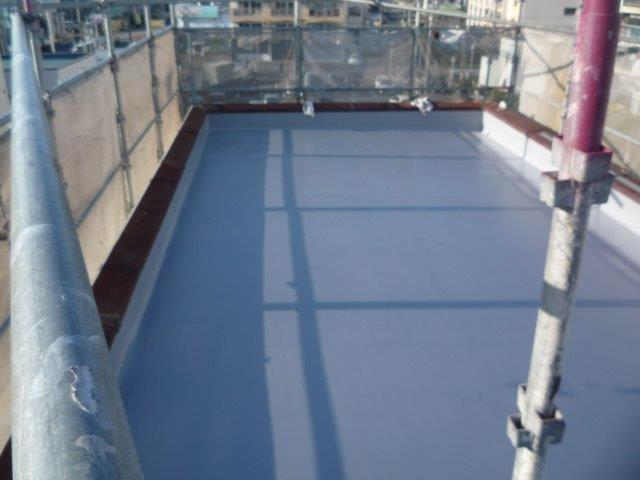 屋上防水塗装トップコート二層目塗装完了