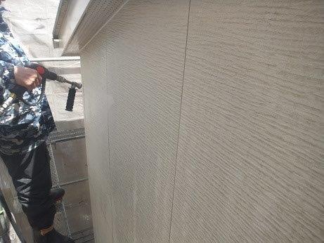 外壁サイディング塗装前高圧洗浄状況