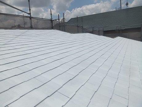 屋根キルコ遮断熱塗料主剤一層目塗装完了