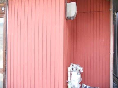 外壁トタン錆止め塗装完了