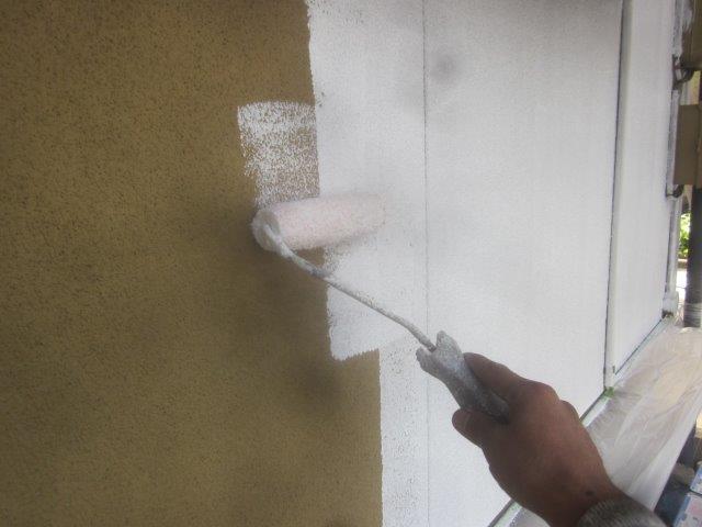 外壁サイディングキルコ断熱塗料塗装下塗り塗装状況