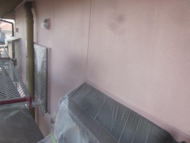 外壁サイディングキルコ断熱塗料塗装主材一層目塗装完了