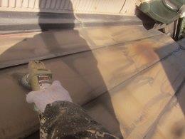 屋根塗装前素地調整状況