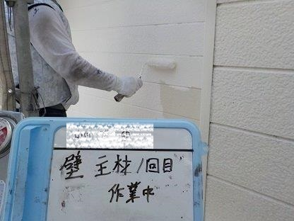 外壁サイディングキルコ断熱塗料主剤塗装一層目状況