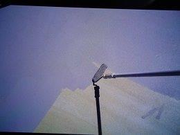 屋上防水断熱仕様防水材一層目塗装状況