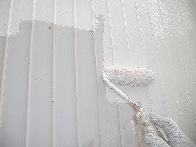 外壁トタン部錆止め塗装状況