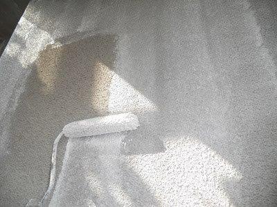 外壁モルタル部下塗り塗装状況