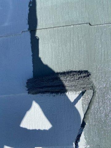屋根遮断熱塗料塗装上塗り一層目塗装状況