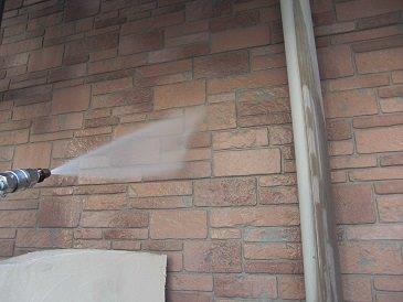外壁サイディングフッ素塗料塗装施工前高圧洗浄状況