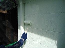 外壁サイデイング断熱塗料塗装主材二層目塗装状況