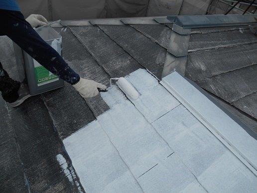 屋根遮断熱塗料塗装主材一層目塗装状況