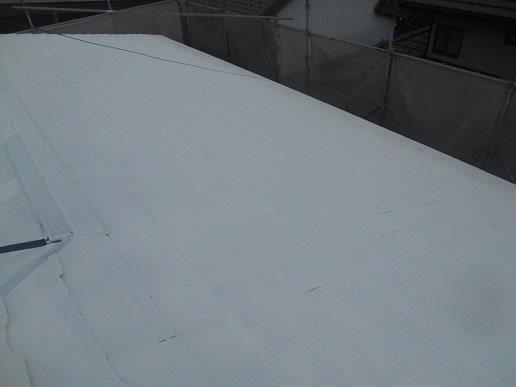 屋根遮断熱塗料塗装主材二層目塗装完了