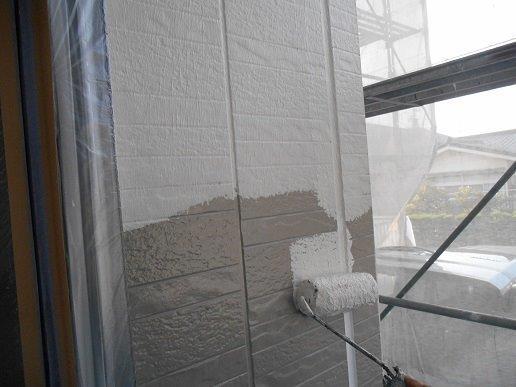 外壁サイディング断熱塗料塗装主材一層目塗装状況