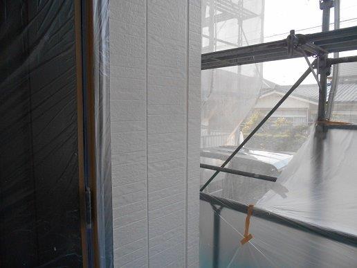 外壁サイディング断熱塗料塗装主材一層目塗装完了