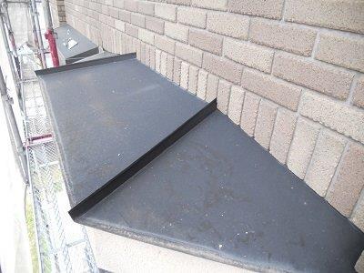 外壁付帯部庇板金塗装施工前