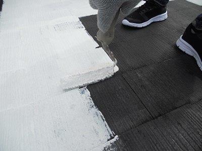 屋根カラーベスト遮断熱塗料塗装断熱塗料一層目塗装状況