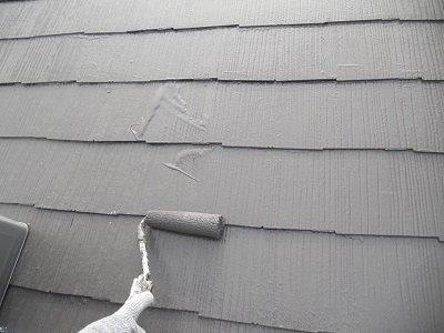 屋根カラーベスト遮断熱塗料塗装遮熱塗料二層目塗装状況