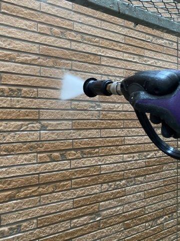 外壁サイデイング断熱塗料塗装前高圧洗浄状況