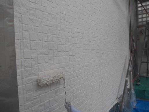 外壁サイディング断熱塗料塗装主材塗装二層目塗装状況
