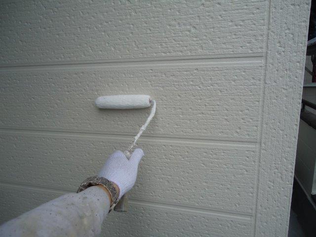 外壁サイディング断熱塗料トップコート塗装状況