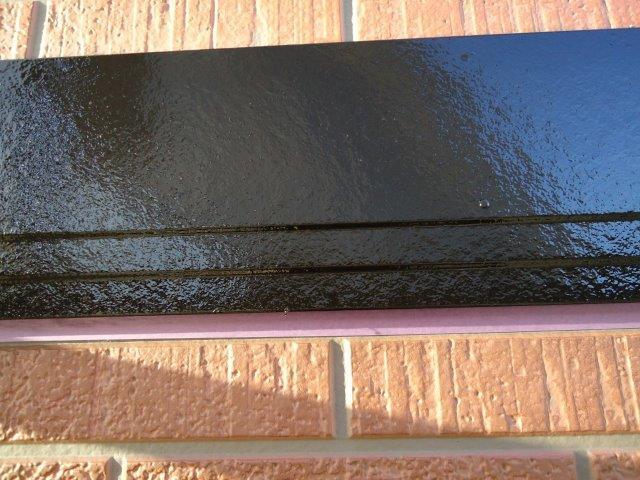 外壁付帯部幕板塗装上塗り一層目塗装完了
