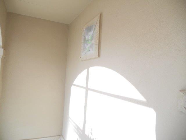 外壁無機塗料上塗り一層目塗装完了