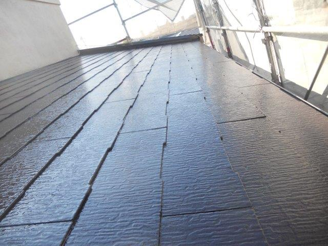 屋根カラーベスト無機塗料上塗り一層目塗装完了