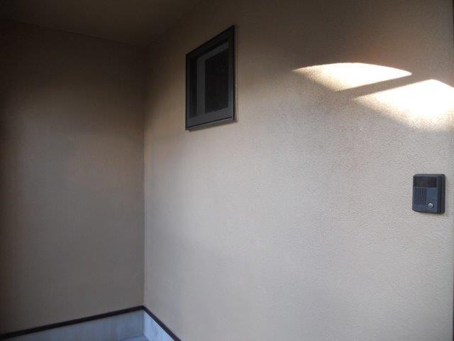 外壁無機塗料上塗り二層目塗装完了