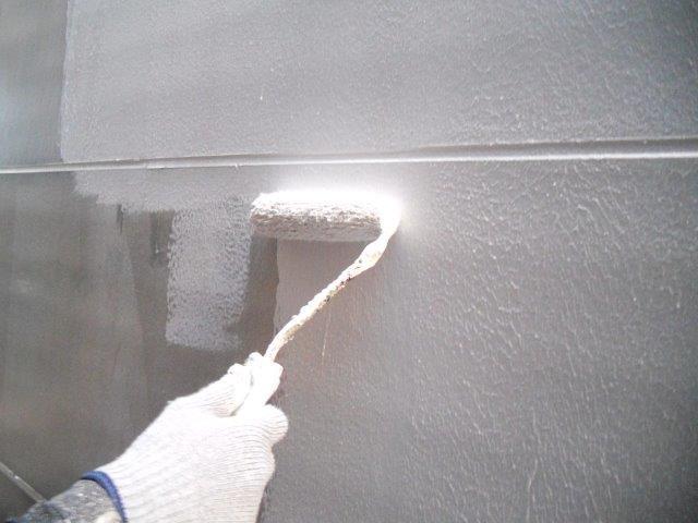 外壁ALC断熱塗料主材一層目塗装状況