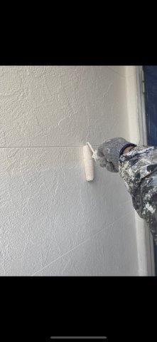 外壁サイディングフッ素塗料上塗り一層目塗装状況