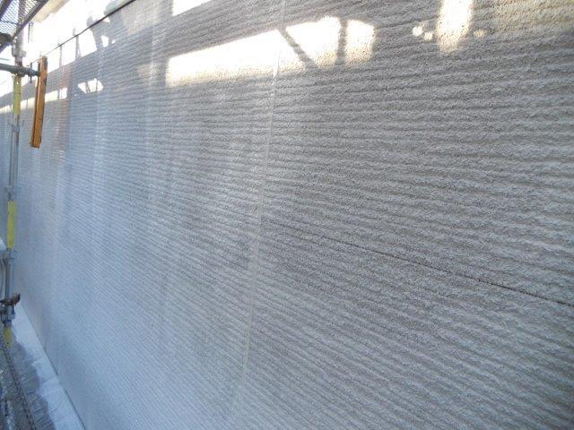 外壁サイディング鎧F(フッ素塗料)下塗り二層目塗装完了