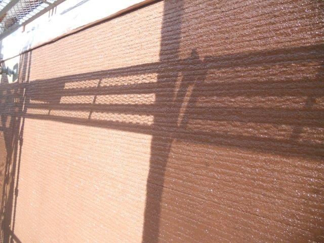 外壁サイディング鎧F(フッ素塗料)上塗り一層目塗装完了