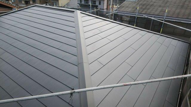 屋根パミール屋根板金張替施工後
