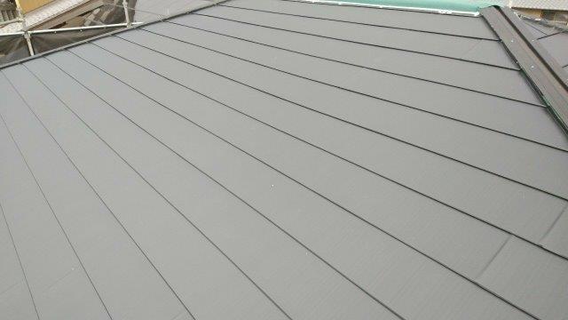 屋根パミール板金貼り完了