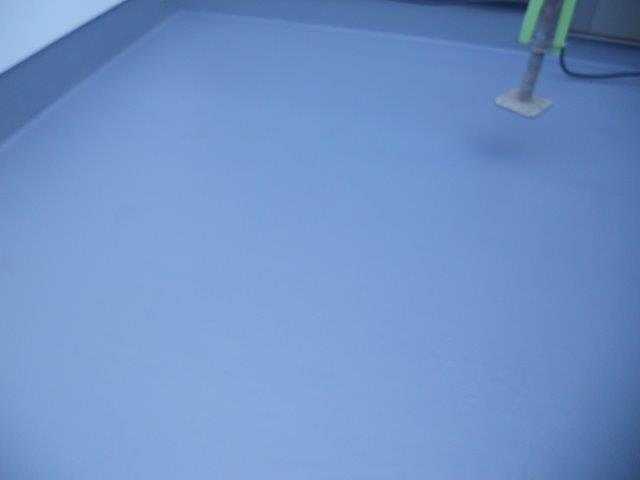 バルコニー防水主材二層目塗装完了