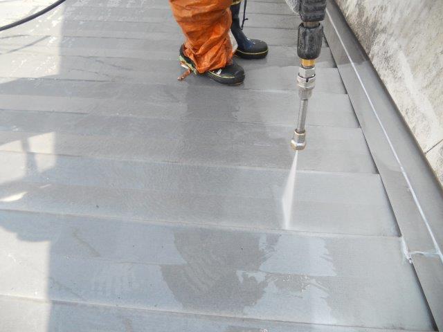 折半屋根高圧洗浄