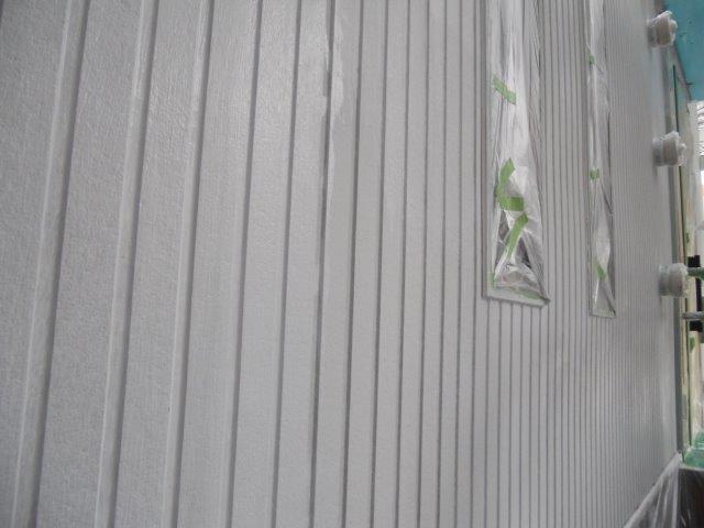 外壁サイディングシリコン塗料塗装下塗り塗装完了