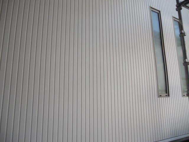 外壁サイディングシリコン塗料塗装上塗り塗装完了