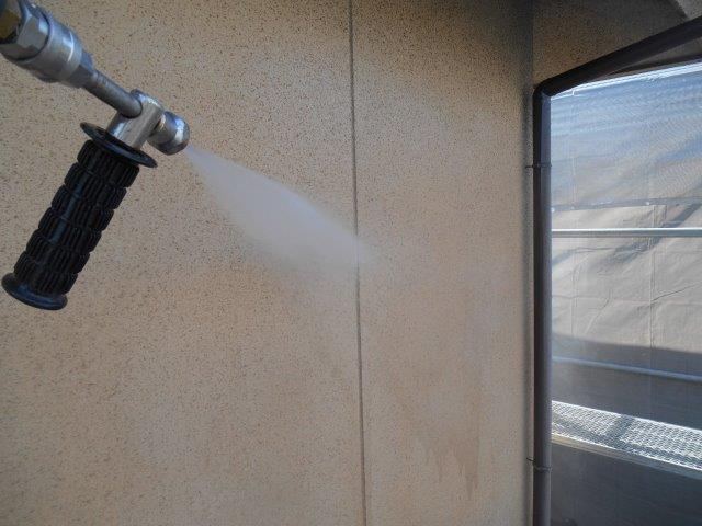 外壁サイディング高圧洗浄状況