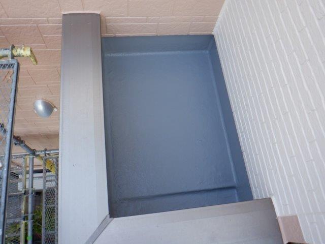 バルコニー防水防水材塗装完了