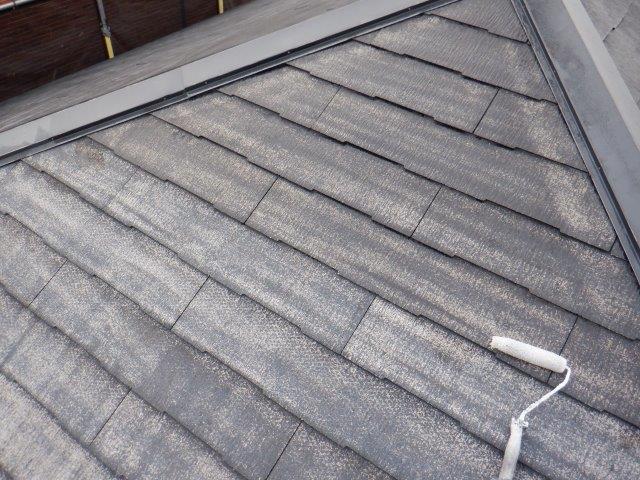 屋根カラーベストフッ素塗料塗装下塗り塗装状況